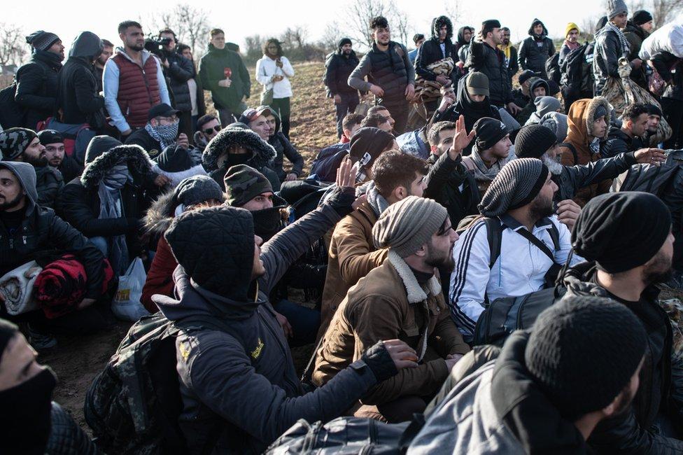 Izbeglice i migranti u utorak na graničnom prelazu Pazarkule