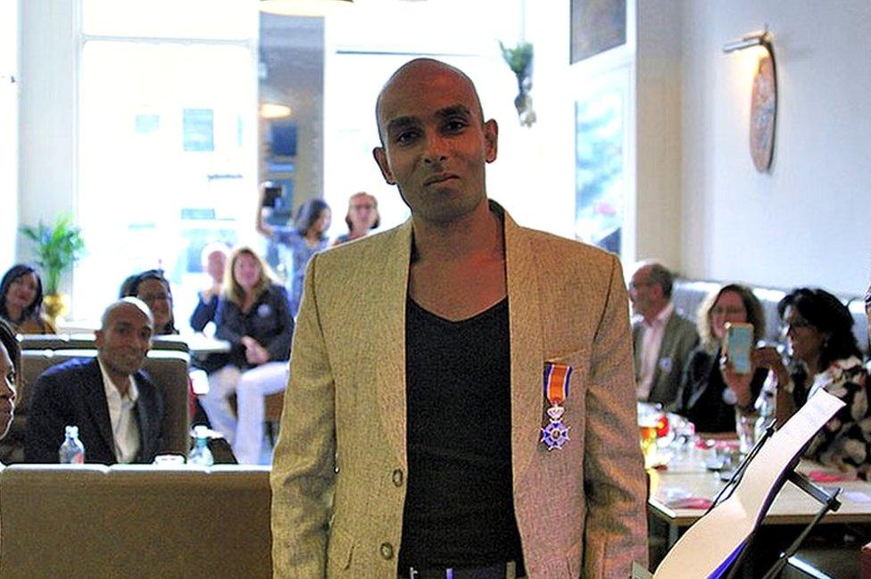 Nimal Samanta odlikovan je tokom proslave 15 godina od osnivanja Fondacije Nona u Holandiji