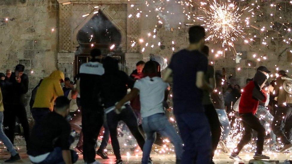 Clashes near Al Aqsa Mosque, 7 May