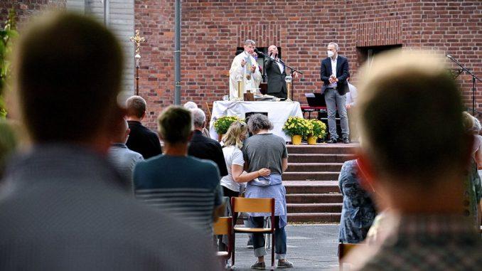 Nemačka i homoseksualnost: Sveštenici daju blagoslov istopolnim parovima 2