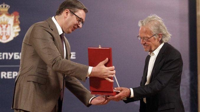 Srbija, ordenje i Peter Handke: Šta je Karađorđeva zvezda, koja odlikovanja dodeljuje Srbija i ko su laureati 4