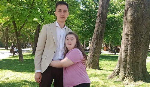 Daunov sindrom i deca u Srbiji: Marina iz Požarevca ne odustaje od srednje muzičke škole 19