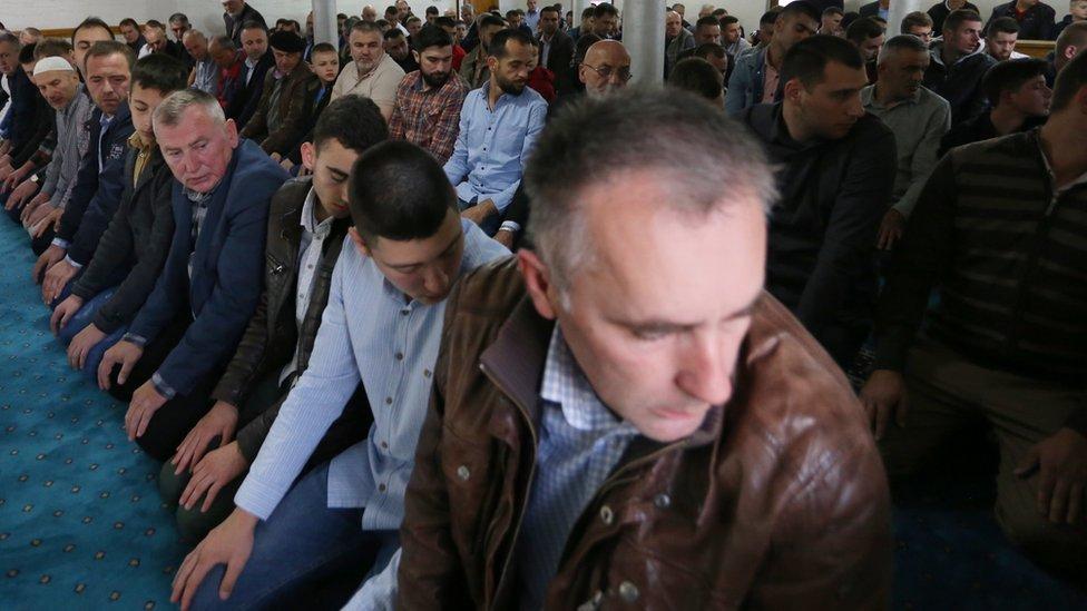 Jutarnjom molitvom počela je proslava Ramazanskog bajrama u Novom Pazaru