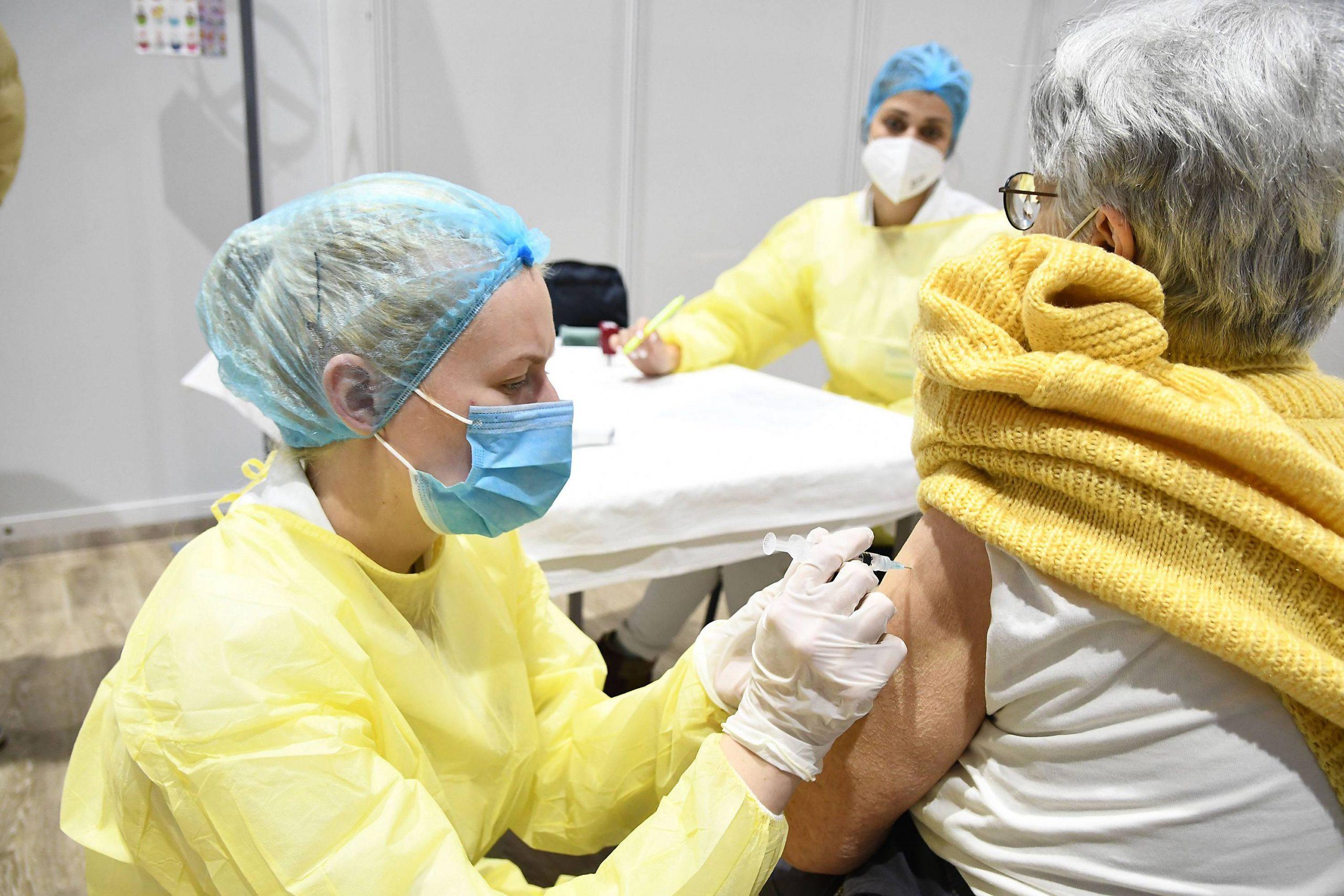 Česi vakcinisani protiv kovid-19 u Srbiji ne mogu da koriste olakšice 1