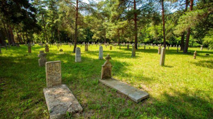 Staro vojničko groblje u Šumaricama - najstarije i najveće u Srbiji 6