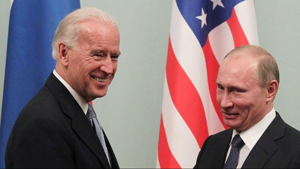 Bajden obećao da će Putinu reći gde je 'crvena linija' 1
