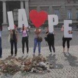 Aktivisti koji brane baru Reva istresli šut ispred Skupštine grada 6