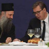Vučić na ručku sa patrijarhom Porfirijem i episkopima 15