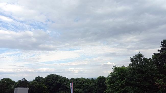 Na severu Srbije danas sunčano, u ostalim krajevima oblačno i kišovito 13