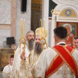 Patrijarh Porfirije služio uskršnju liturgiju u Hramu Svetog Save 5