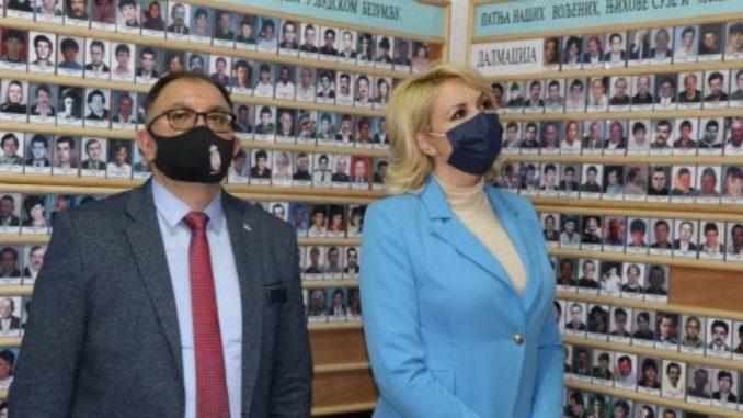 Udruženje porodica Suza otvorilo spomen sobu posvećenu stradalima u Hrvatskoj 3
