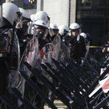 Koškanje policije i demonstranata u Briselu na protestu zbog epidemiolških mera 11