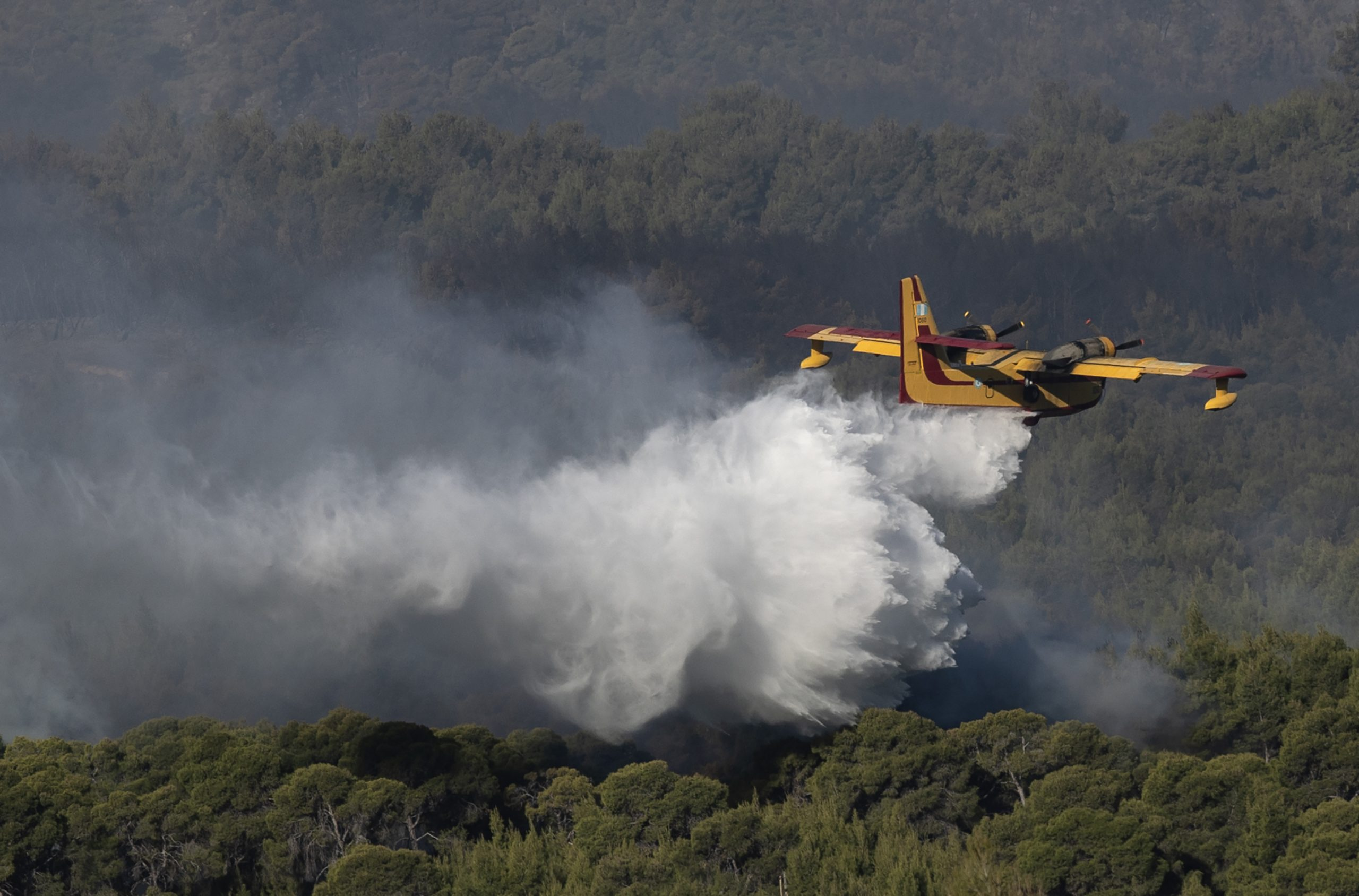Požar u Grčkoj i dalje gori, vatrogasci od rane zore ponovo u akciji gašenja 1
