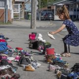 Ostaci tela 215 dece na mestu bivše škole za Indijance u Kanadi 12