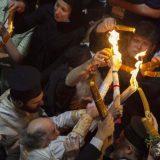 Vakcinisani vernici prisustvovali ceremoniji Blagodatnog ognja 9