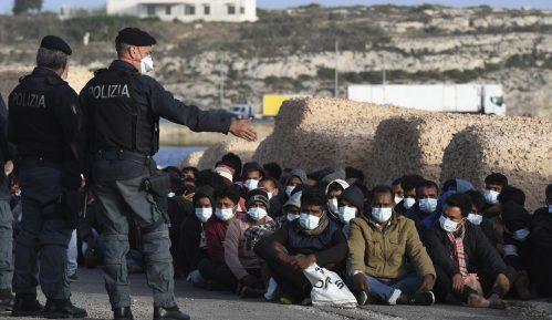Na italijanskom ostrvu povećao se broj novodošlih migranata na 2.100 15