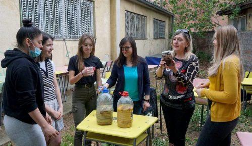 Niški gimnazijalci recikliraju užinu i prave organsku baštu 1