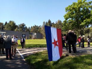 Poštovaoci NOB-a odali poštu Josipu Brozu Titu u Kući cveća (FOTO) 8