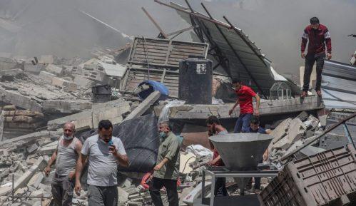 U izraelskim udarima na Gazu srušena šestospratnica, gađane kuće komandira Hamasa 2