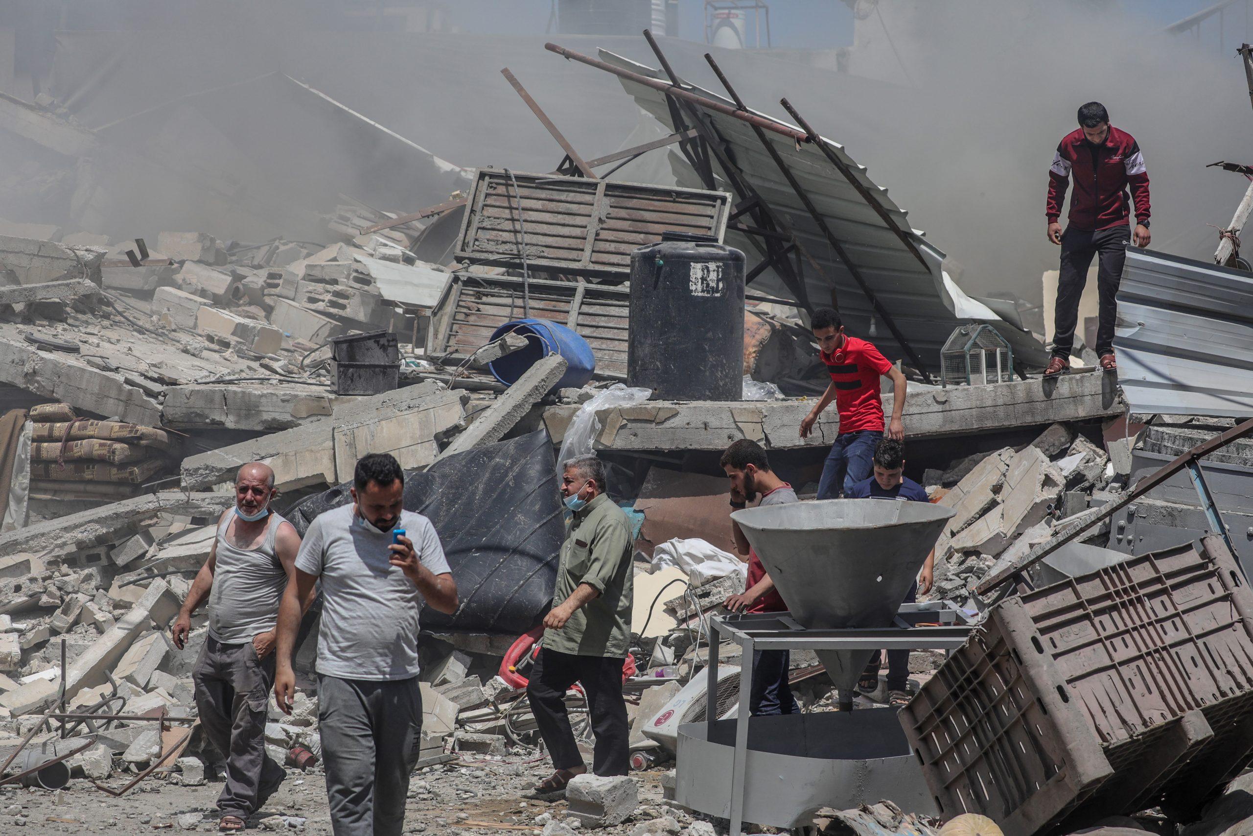 U izraelskim udarima na Gazu srušena šestospratnica, gađane kuće komandira Hamasa 1