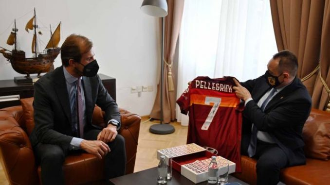 """Direktor fudbalskog kluba """"Roma"""" se vakcinisao u Srbiji, zahvalio Vučiću 5"""