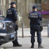 Policija: Zaplenjeno 14 kilograma marihuane, vagica i pištolj, u stanu u Krnjači 8