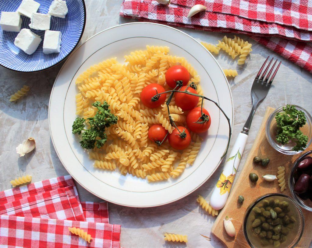 Recept nedelje: Pasta sa feta sirom i čeri paradajzom (Baked feta pasta) 3