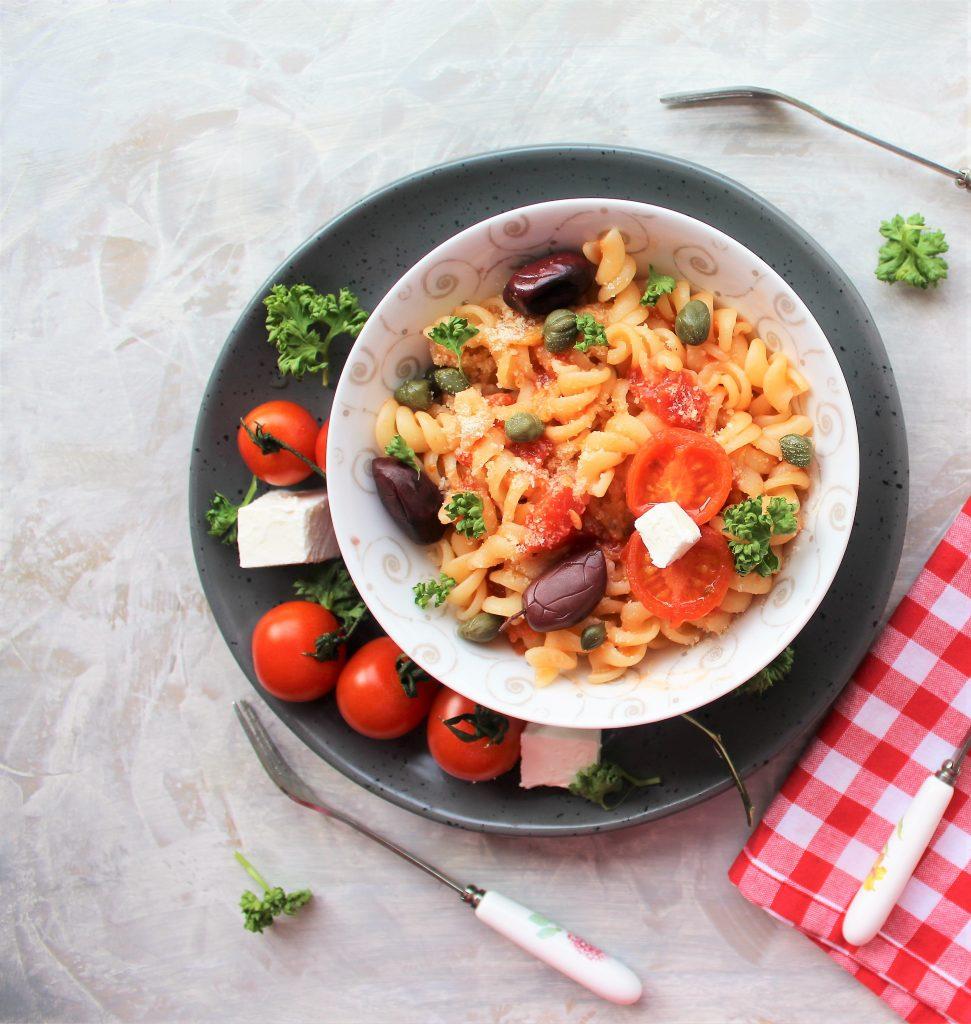 Recept nedelje: Pasta sa feta sirom i čeri paradajzom (Baked feta pasta) 2