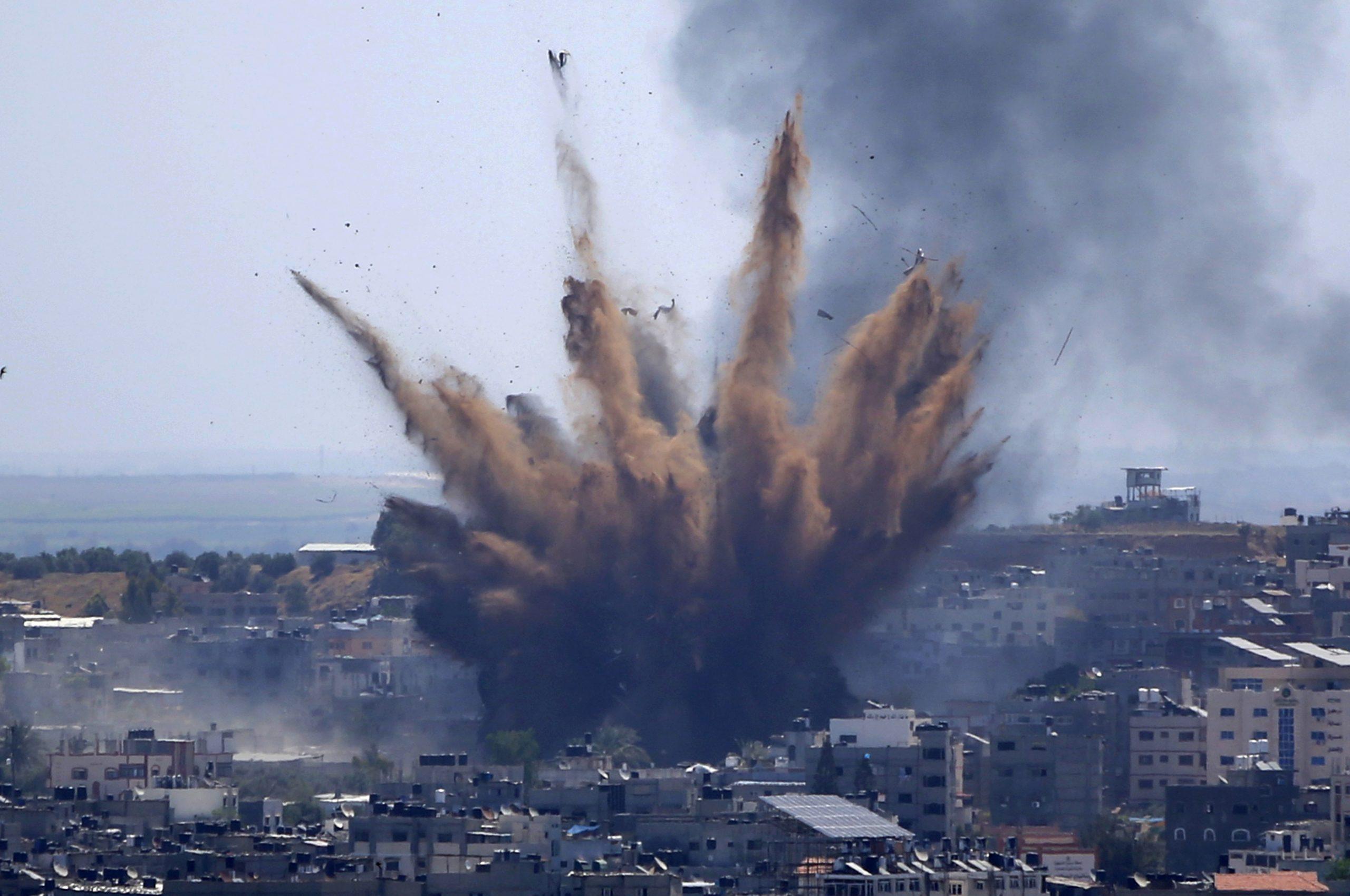 U izraelskom vazdušnom udaru srušena višespratnica u kojoj su bile kacelarije AP i Al Džazire 1