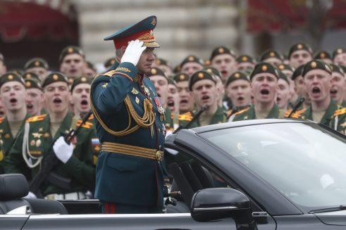 Putin na vojnoj paradi čestitao Dan pobede nad fašizmom (FOTO) 15