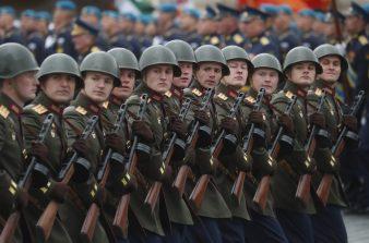 Putin na vojnoj paradi čestitao Dan pobede nad fašizmom (FOTO) 12