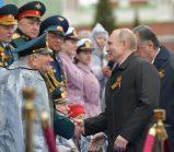 Putin na vojnoj paradi čestitao Dan pobede nad fašizmom (FOTO) 68