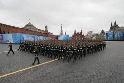 Putin na vojnoj paradi čestitao Dan pobede nad fašizmom (FOTO) 59