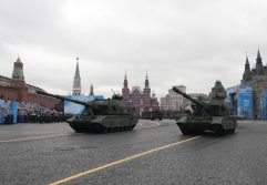 Putin na vojnoj paradi čestitao Dan pobede nad fašizmom (FOTO) 55