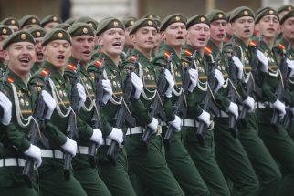 Putin na vojnoj paradi čestitao Dan pobede nad fašizmom (FOTO) 52