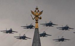 Putin na vojnoj paradi čestitao Dan pobede nad fašizmom (FOTO) 48