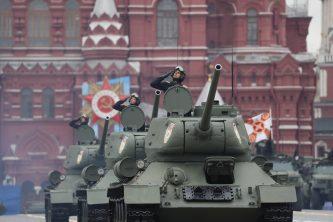 Putin na vojnoj paradi čestitao Dan pobede nad fašizmom (FOTO) 40