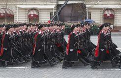 Putin na vojnoj paradi čestitao Dan pobede nad fašizmom (FOTO) 34