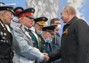 Putin na vojnoj paradi čestitao Dan pobede nad fašizmom (FOTO) 31
