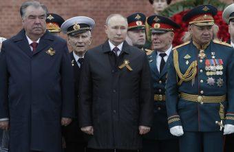 Putin na vojnoj paradi čestitao Dan pobede nad fašizmom (FOTO) 21