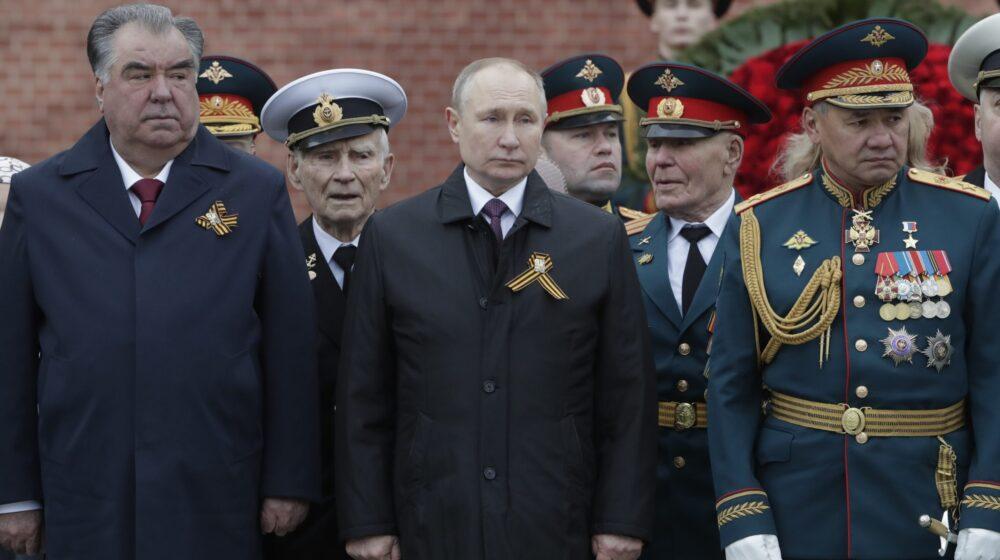 Putin podelio novac policiji i vojsci pred izbore 1