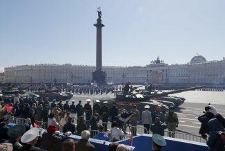 Putin na vojnoj paradi čestitao Dan pobede nad fašizmom (FOTO) 86