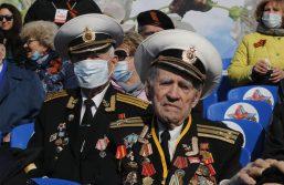 Putin na vojnoj paradi čestitao Dan pobede nad fašizmom (FOTO) 84
