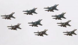Putin na vojnoj paradi čestitao Dan pobede nad fašizmom (FOTO) 75