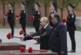 Putin na vojnoj paradi čestitao Dan pobede nad fašizmom (FOTO) 80
