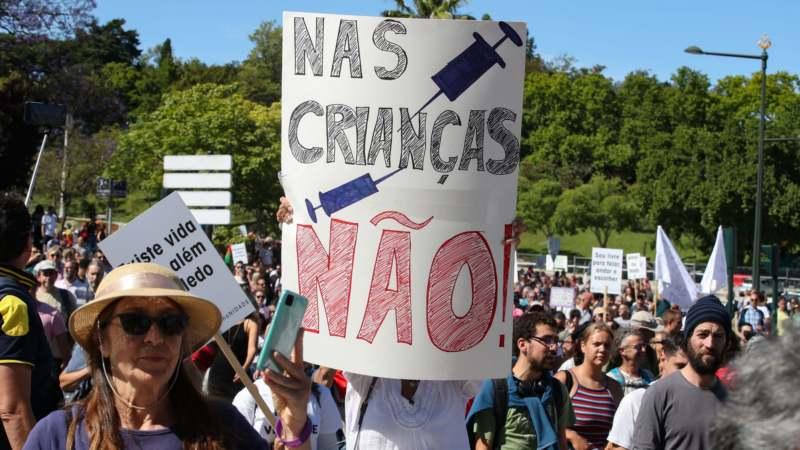 U Lisabonu skup protiv mera u borbi protiv korona virusa 1