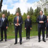 Vučić: Na samitu u Sloveniji bilo reči o promeni granica, Srbija poštuje već utvrđene granice 12
