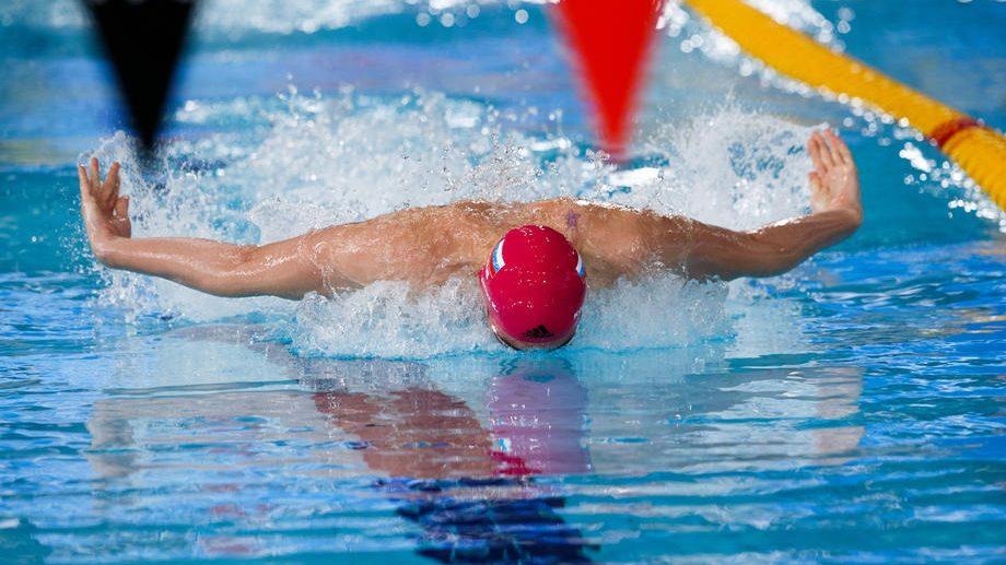 Svetski rekord Kolesnikova u polufinalu trke na 50 metara leđno na EP 1