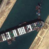 Spor vlasti i vlasnika broda oko krivice za nasukavanje broda u Sueckom kanalu 4