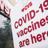 SAD postigle veliki pad broja umrlih od kovida i rast broja vakcinisanih 12